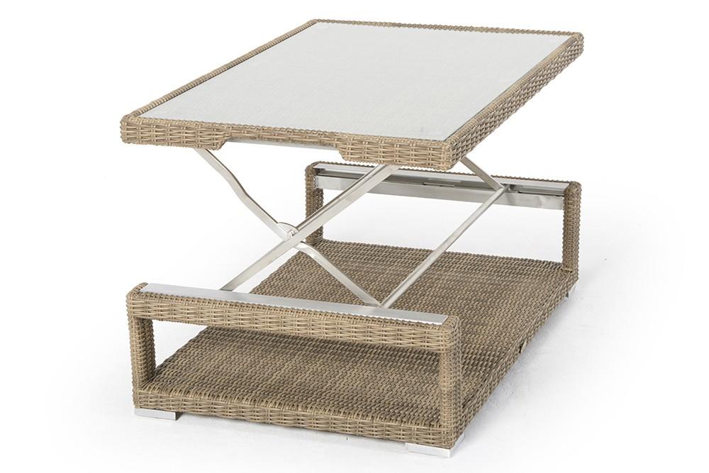 Rattan Lounge mit höhenverstellbarem Rattan Tisch